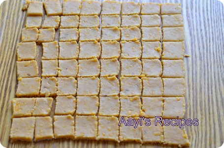 chaddar crackers5