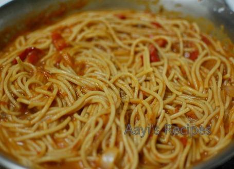 spaghetti in vegetable sauce5