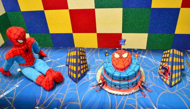 spiderman cake4