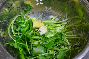eggs in coriander leaves curry4